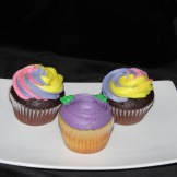 Swirled tri-colours add big impact on simple cupcakes