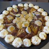 Maple fudge, spice mini cupcakes, cinnamon chocolate coffee cake